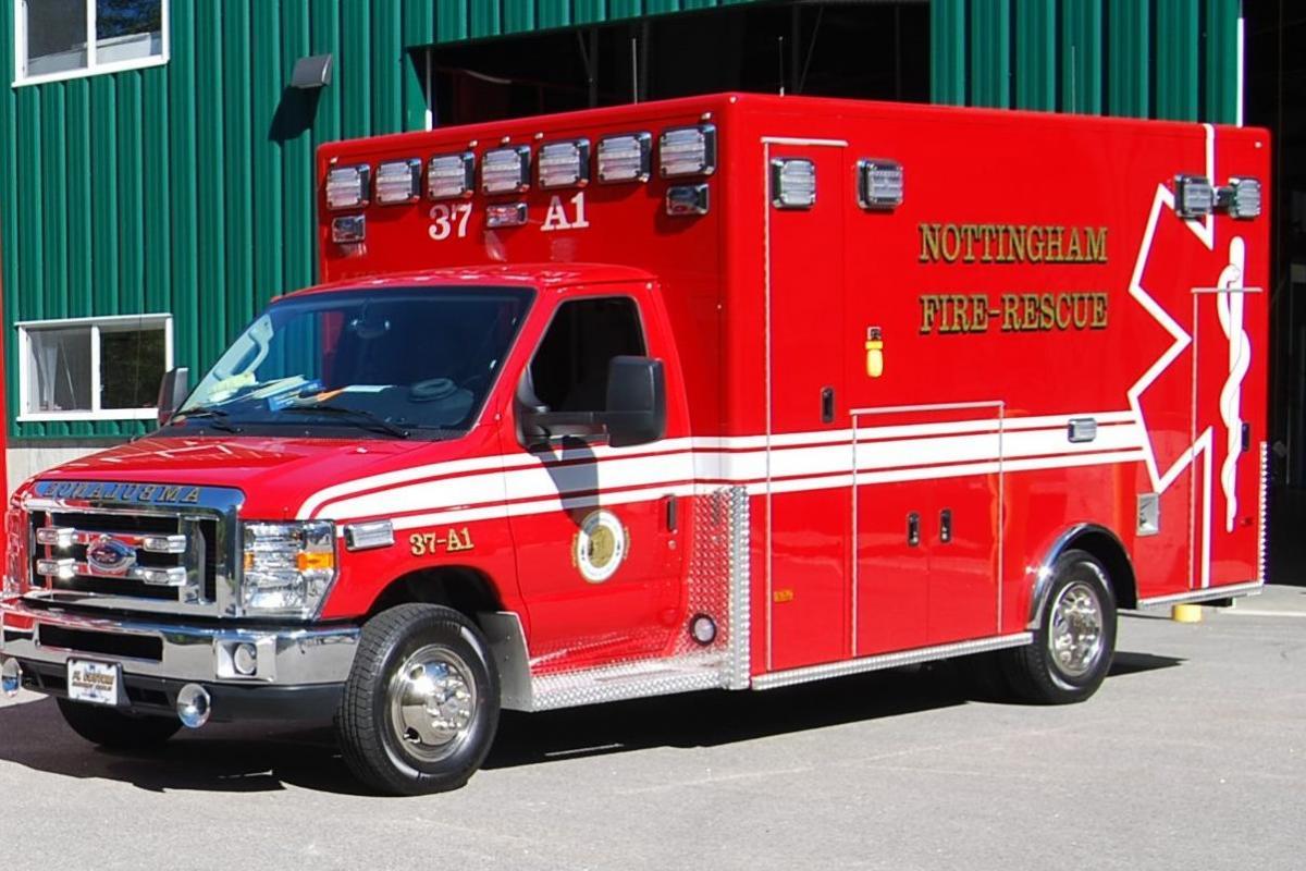 picture Nottingham 37 Ambulance 1